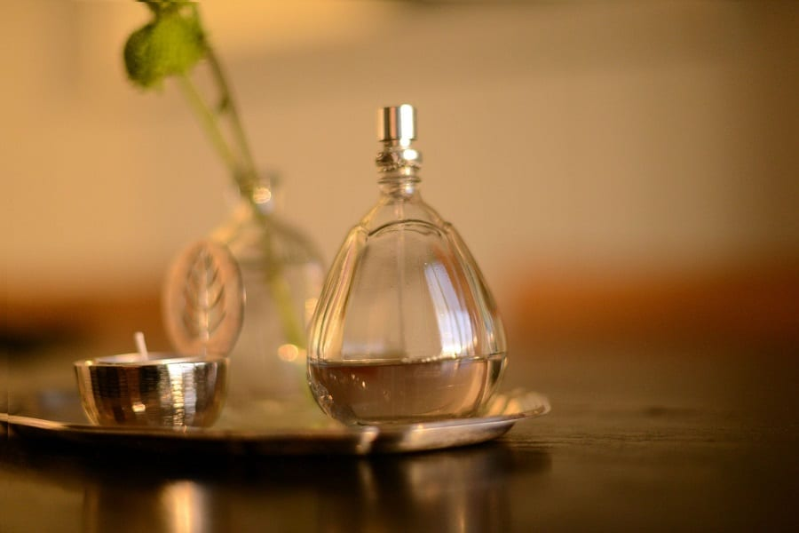 8 Popular Indian Scents